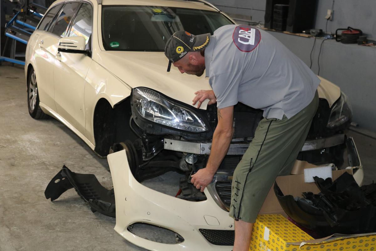 KFZ Reparaturarbeiten mit Aufbereitung